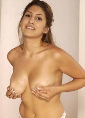 Naoumi female escorts Ozark